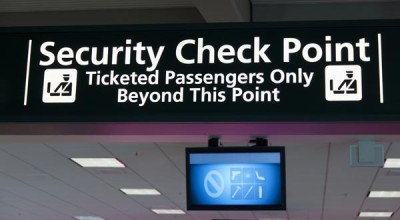 Sprísnená kontrola príručnej batožiny na letoch do USA