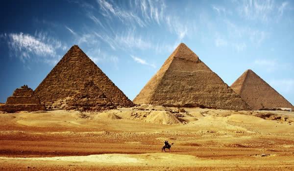 Egypt sprísnil udeľovanie víz